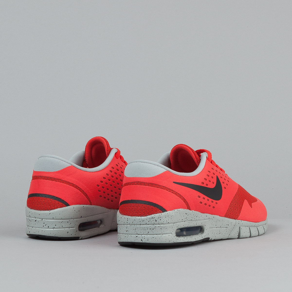 Nike SB Eric Koston 2 Max Light Crimson / Black - Base Grey