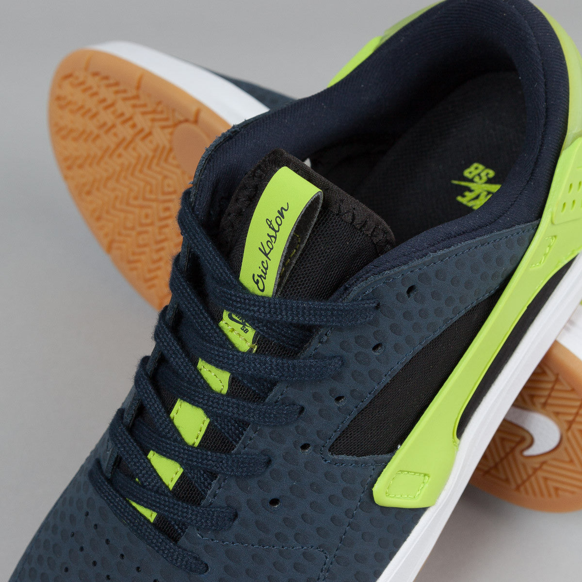 Nike SB Eric Koston Huarache Shoes - Dark Obsidian / Black - Cyber - Gum Light Brown
