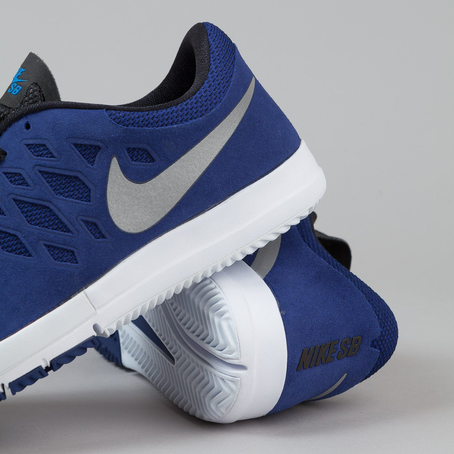 Nike SB Free Shoes - Deep Royal Blue / Metallic Silver / White
