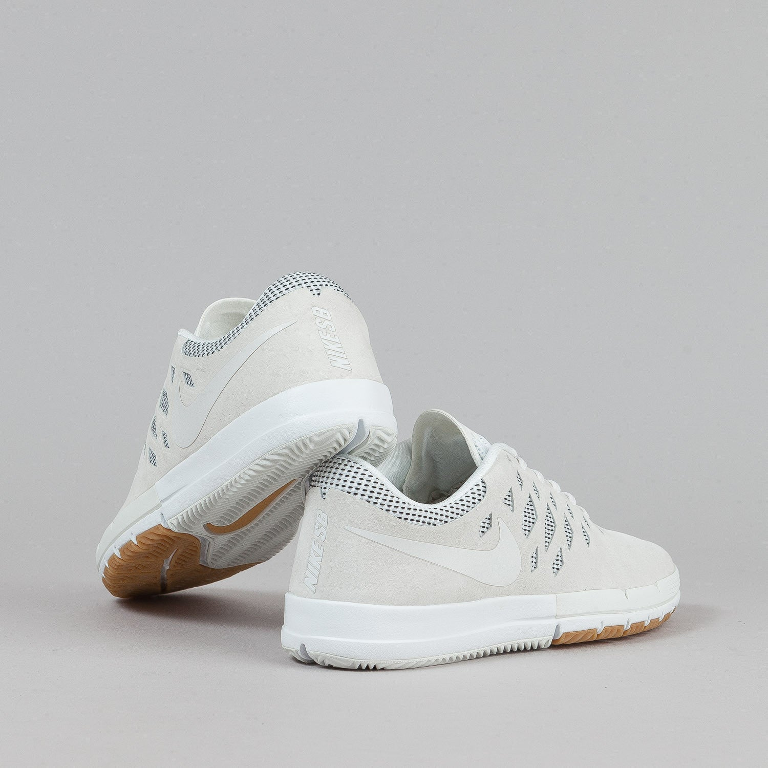 Nike SB Free Shoes Premium - Summit White / Gum Light Brown