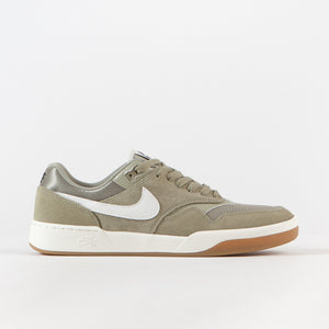 Medium Khaki / Sail