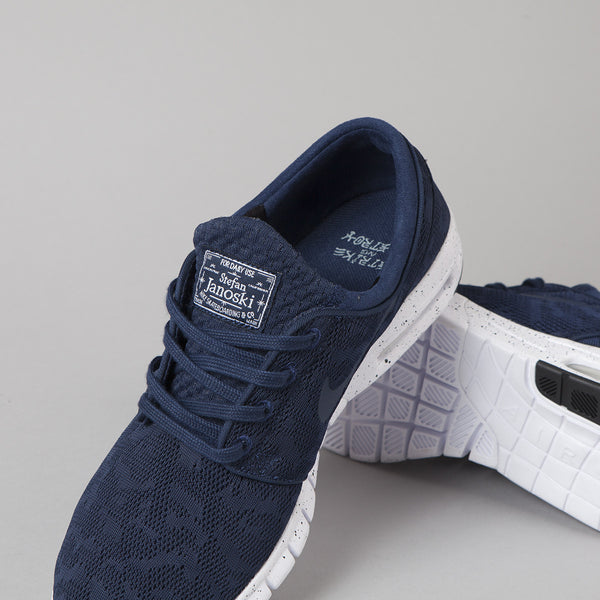 huge selection of 559d5 6269f ... navy white running shoes 30f02 67baf  promo code sb stefan janoski max  smooth and responsive the nike air da801 1870c