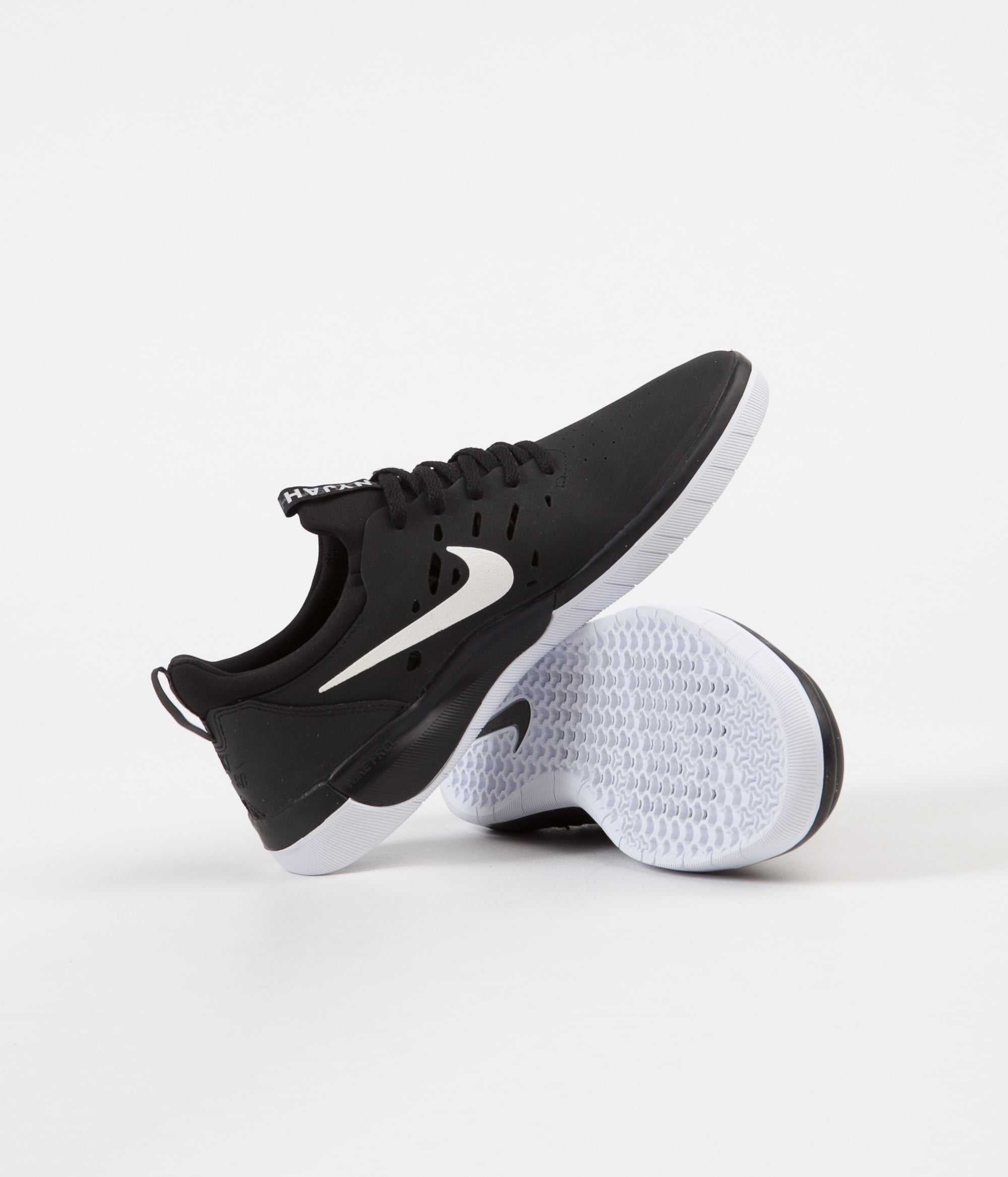 Nike SB Nyjah Free Shoes - Black / White