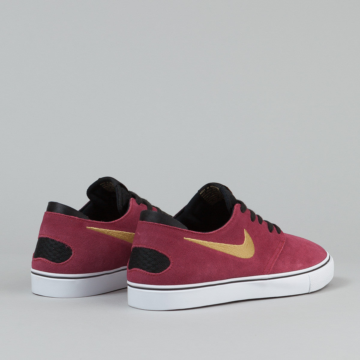 Nike SB Oneshot Shoes - Team Red / Metallic Gold / Black / White