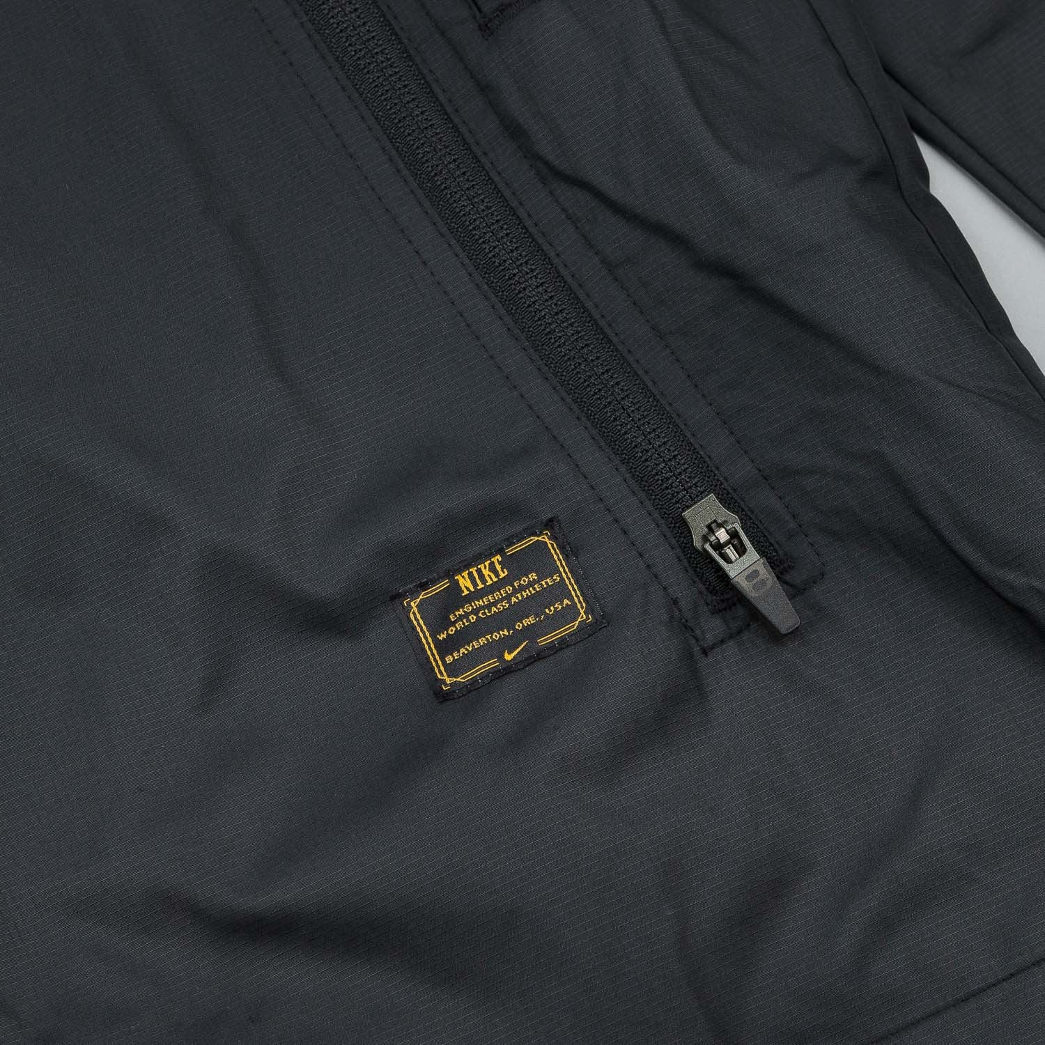 Nike SB Packable Fishtail Windbreaker Jacket - Black
