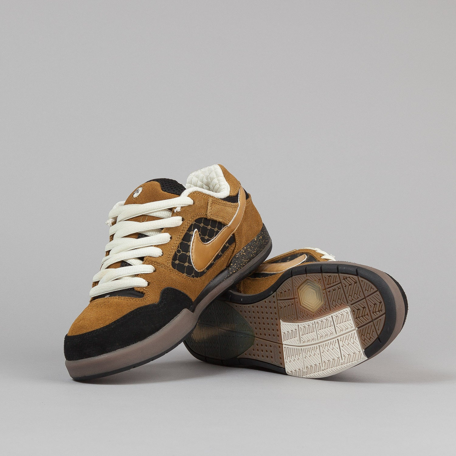 Nike SB Paul Rodriguez 2 Shoes - Black / Metallic Gold