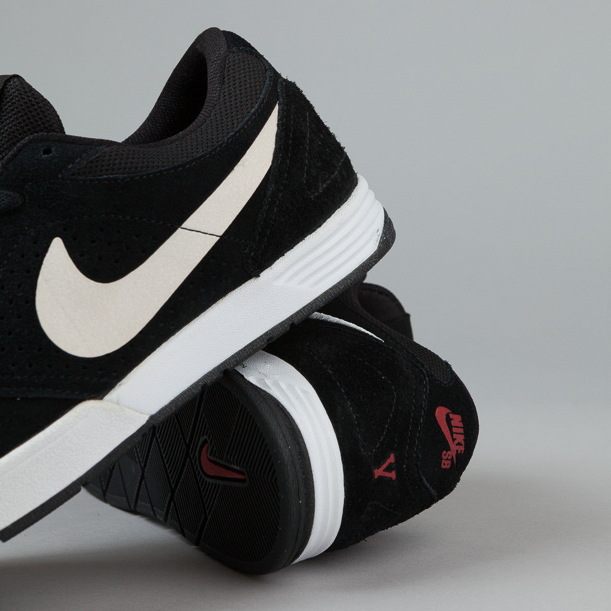 Nike SB Paul Rodriguez 5 Shoes - Black / White - Varsity Red
