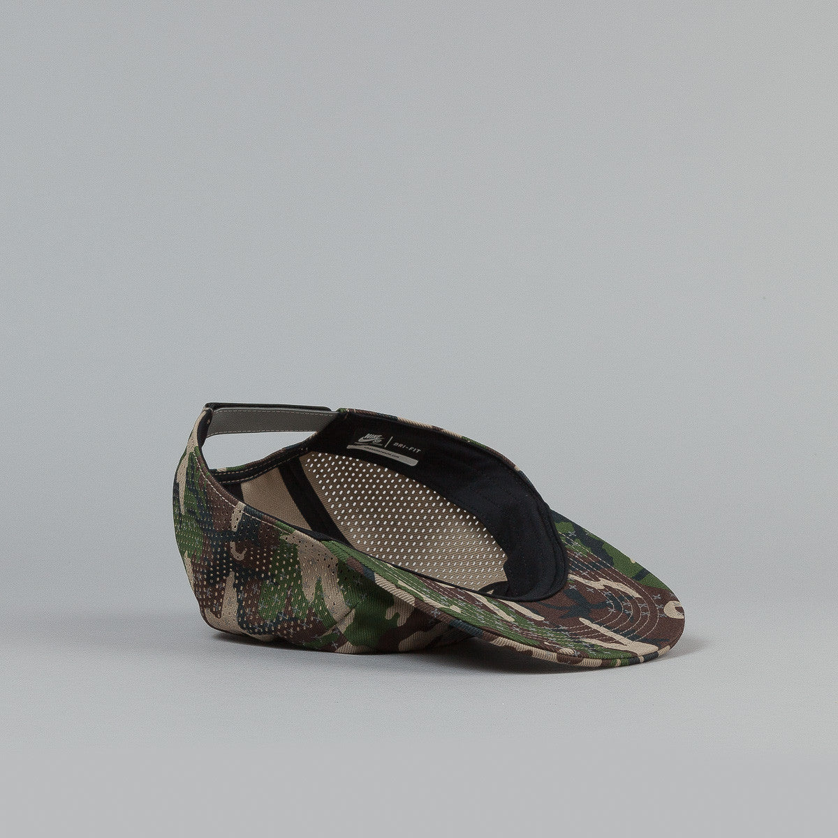 Nike SB Reflective Icon 5 Panel Cap - Woodland Camo