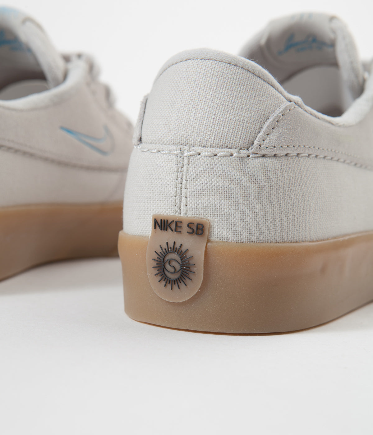 Nike SB Shane Shoes - White / Laser Blue - White - Gum Light Brown
