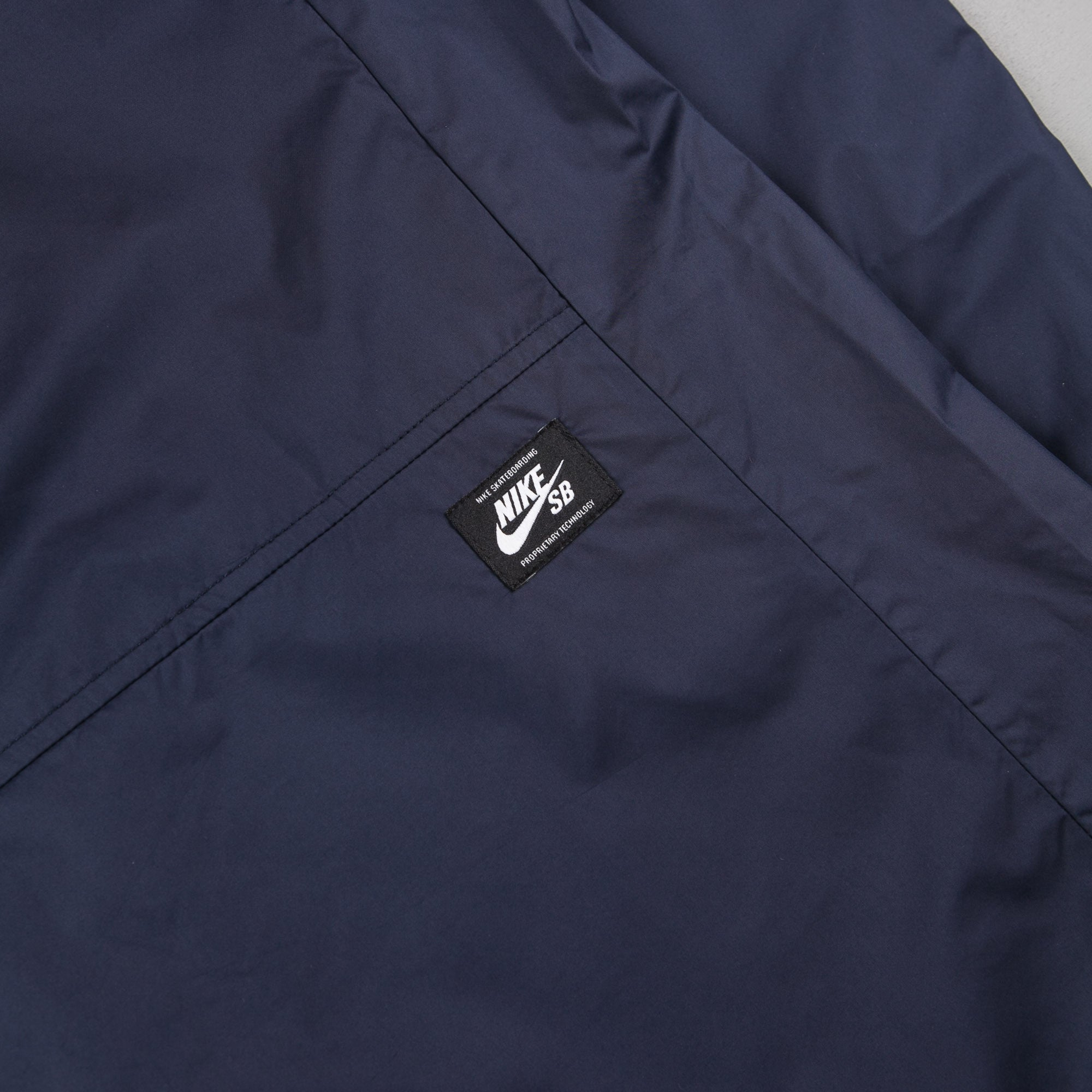 Nike SB Shield Jacket - Obsidian / White