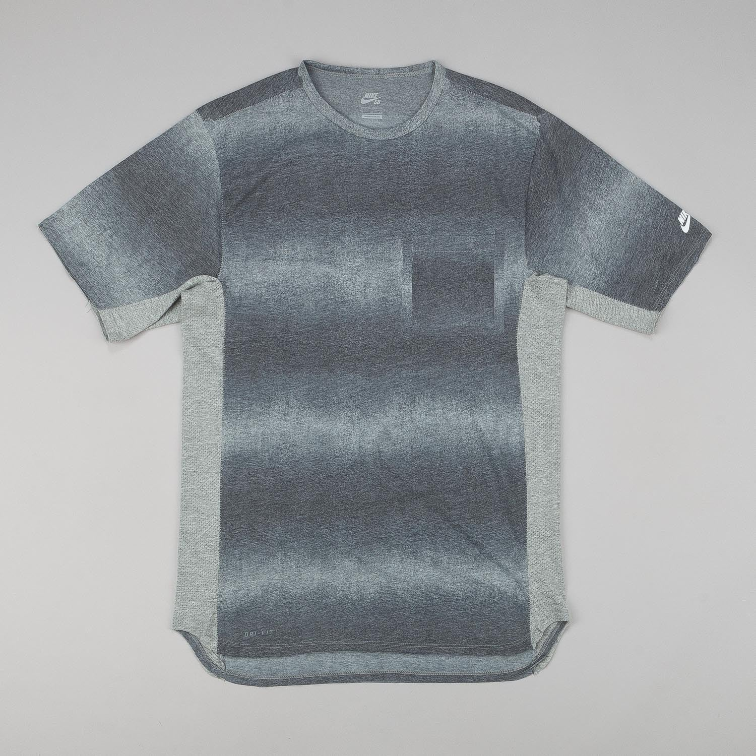 Nike SB Skyline DFC Dip Fade Short Sleeve Pocket T-Shirt - Grey