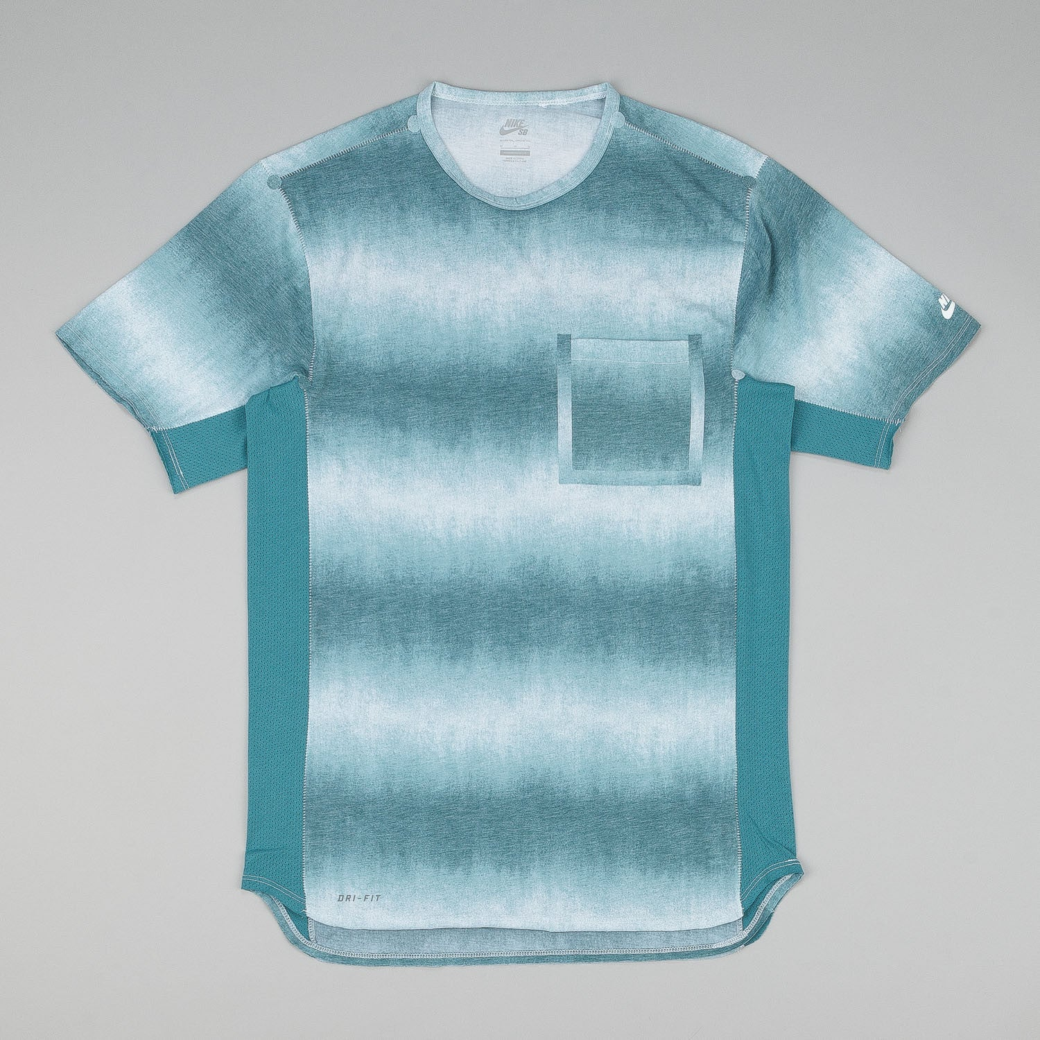 Nike SB Skyline DFC Dip Fade Short Sleeve Pocket T-Shirt - Teal / White