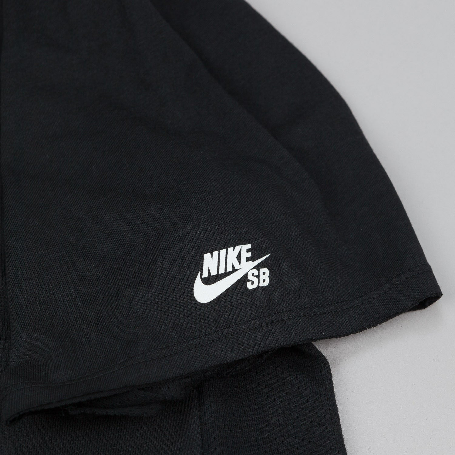 Nike SB Skyline DFC Short Sleeve Pocket T-Shirt - Black / White