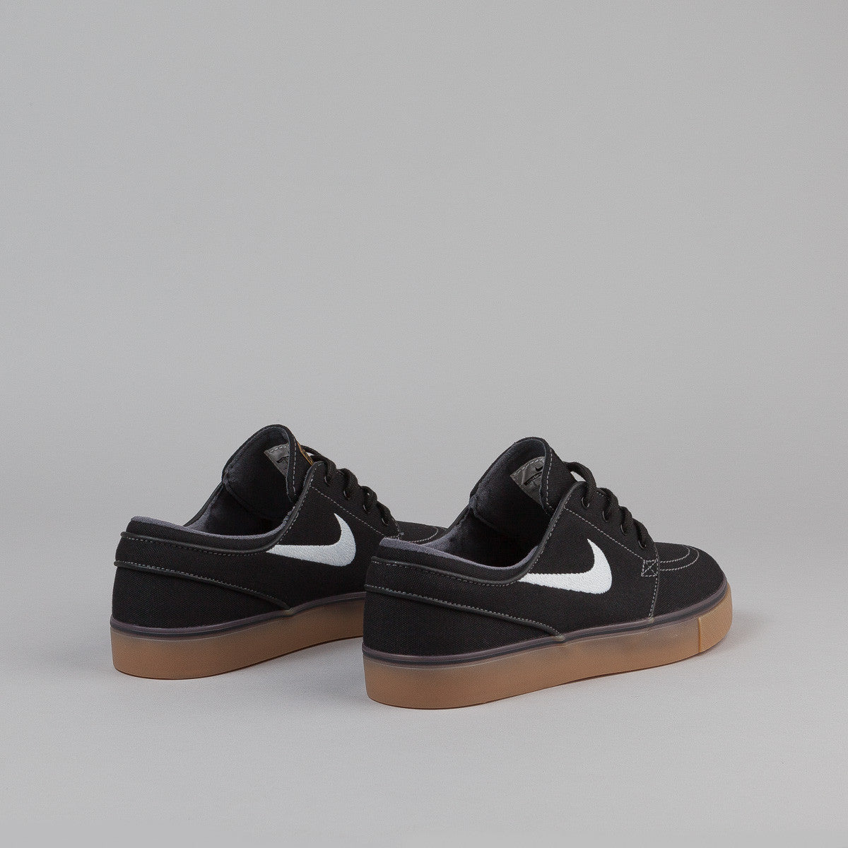 Nike SB Stefan Janoski Canvas Shoes - Black / White - Metallic Gold - Gum Light Brown
