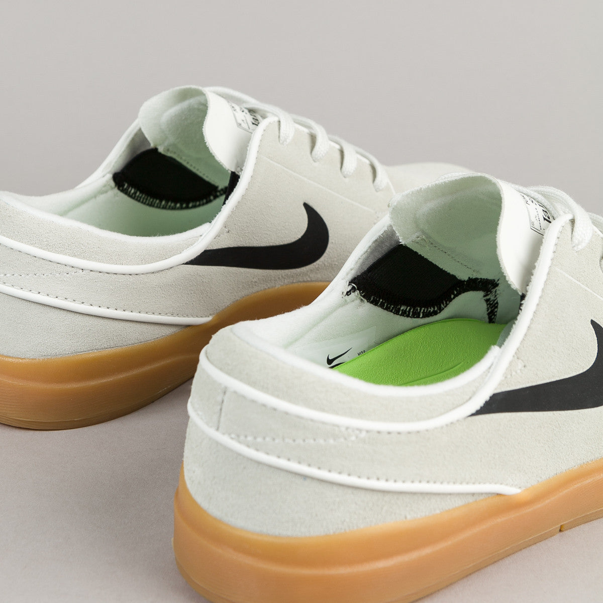 Nike SB Stefan Janoski Hyperfeel Shoes - Summit White / Black - Gum - Light Brown