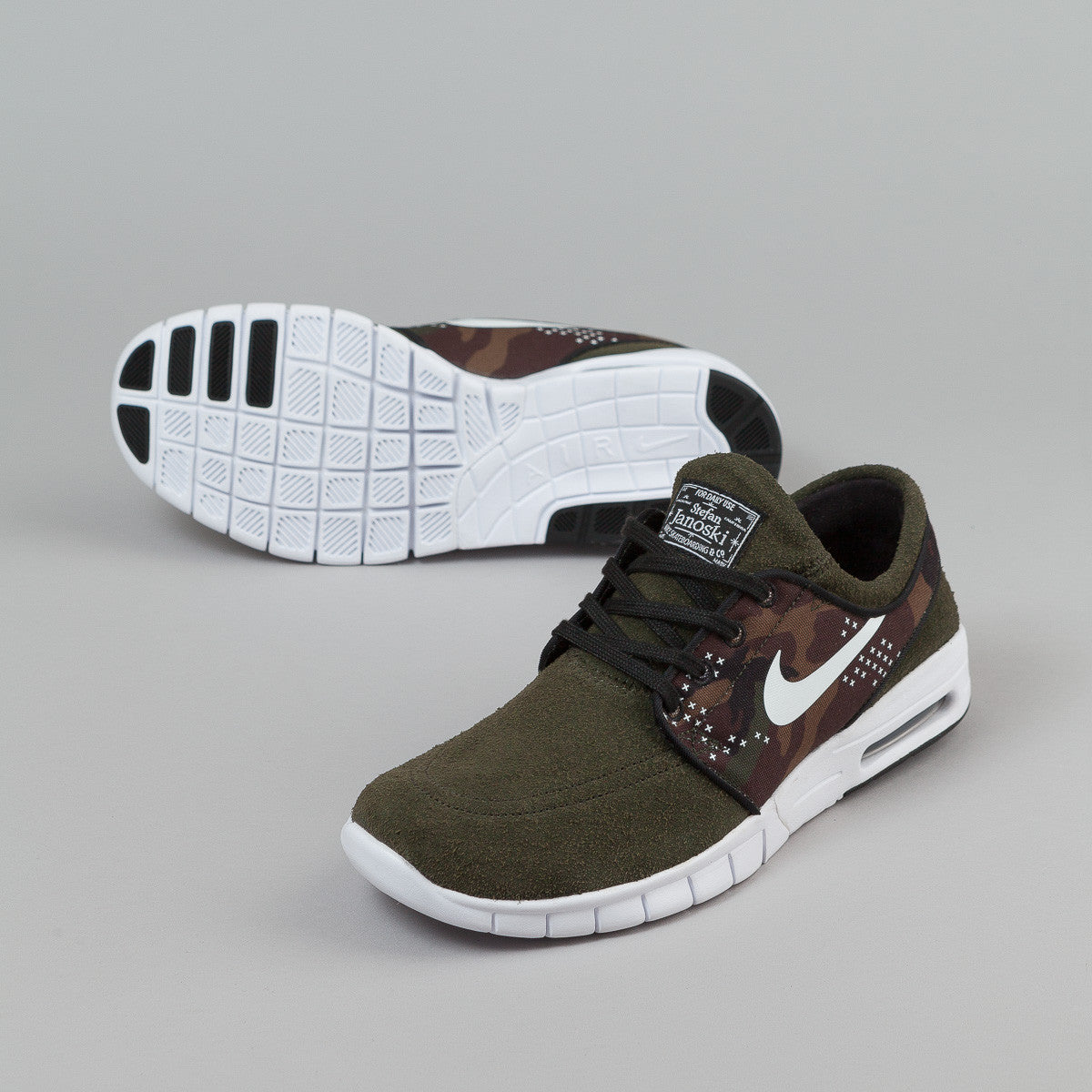 nike sb stefan janoski max l sequoia white black flatspot. Black Bedroom Furniture Sets. Home Design Ideas