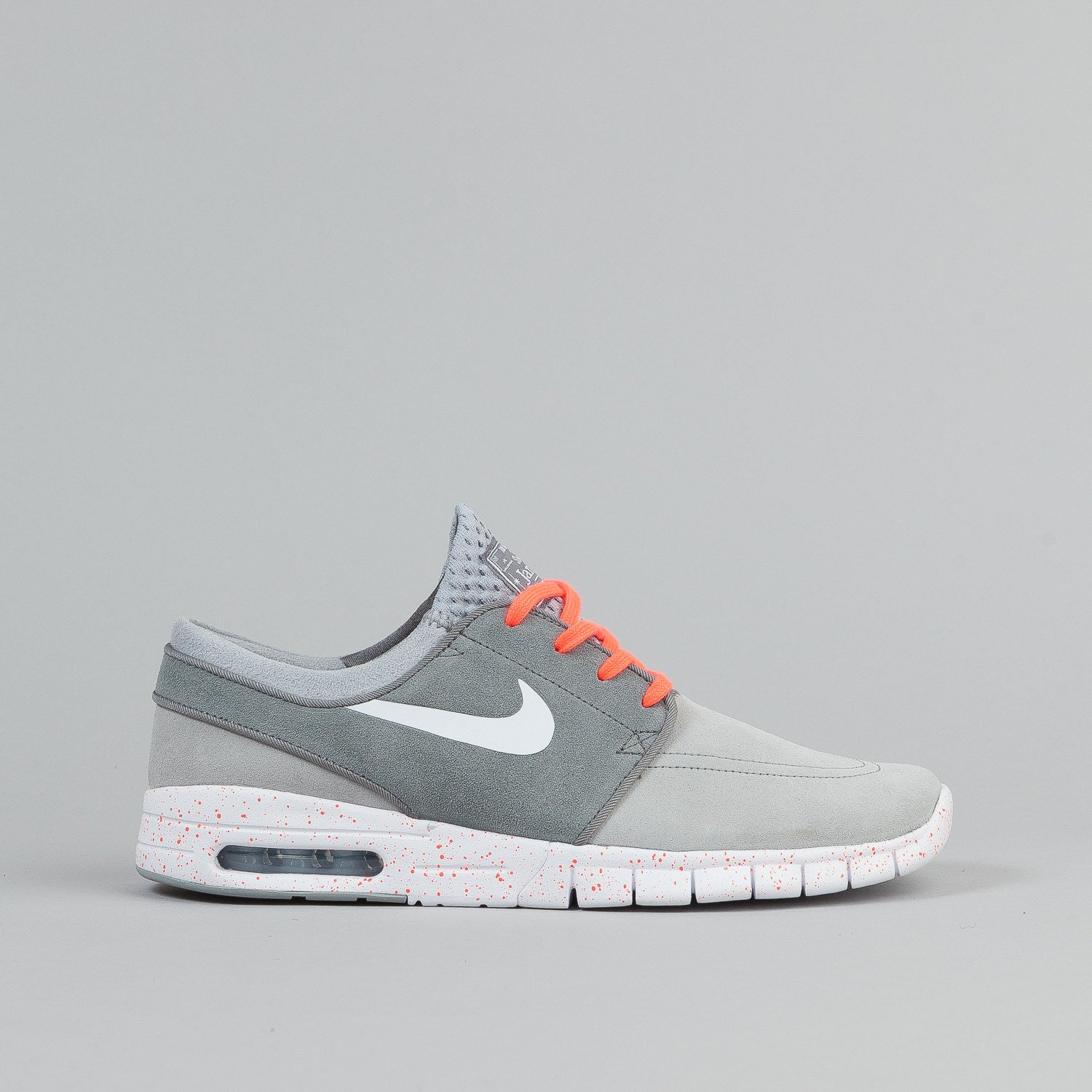 nike sb stefan janoski max suede shoes wolf grey white cool grey flatspot. Black Bedroom Furniture Sets. Home Design Ideas