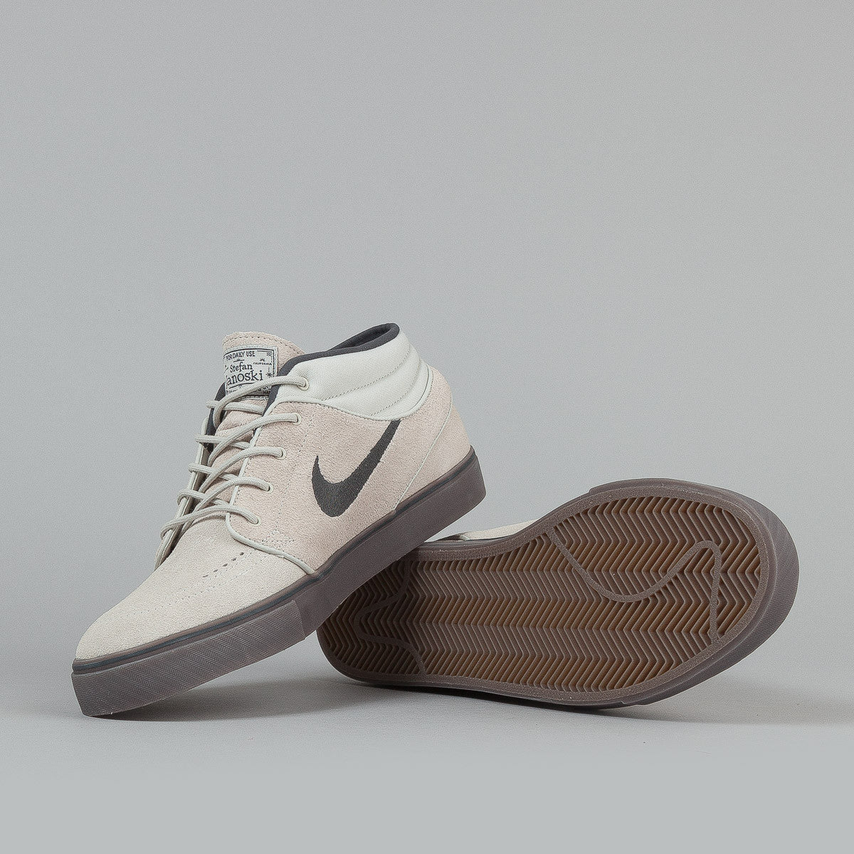 Nike SB Stefan Janoski Mid Shoes - Light Bone / Anthracite / Gum Dark Brown