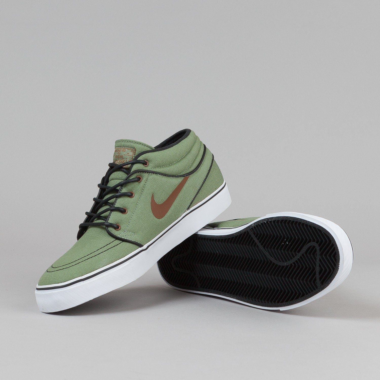 ... Nike SB Stefan Janoski Mid Shoes - Oil Green / Pecan ...