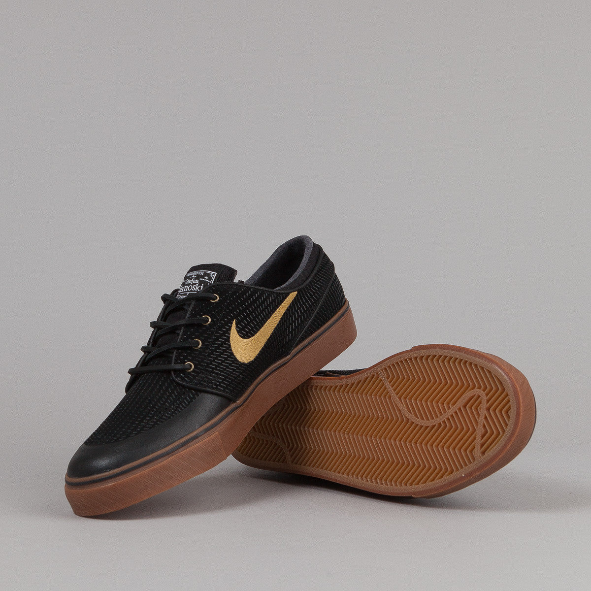 Nike SB Stefan Janoski PR SE Shoes - Black / Metallic Gold / Gum Med Brown / White