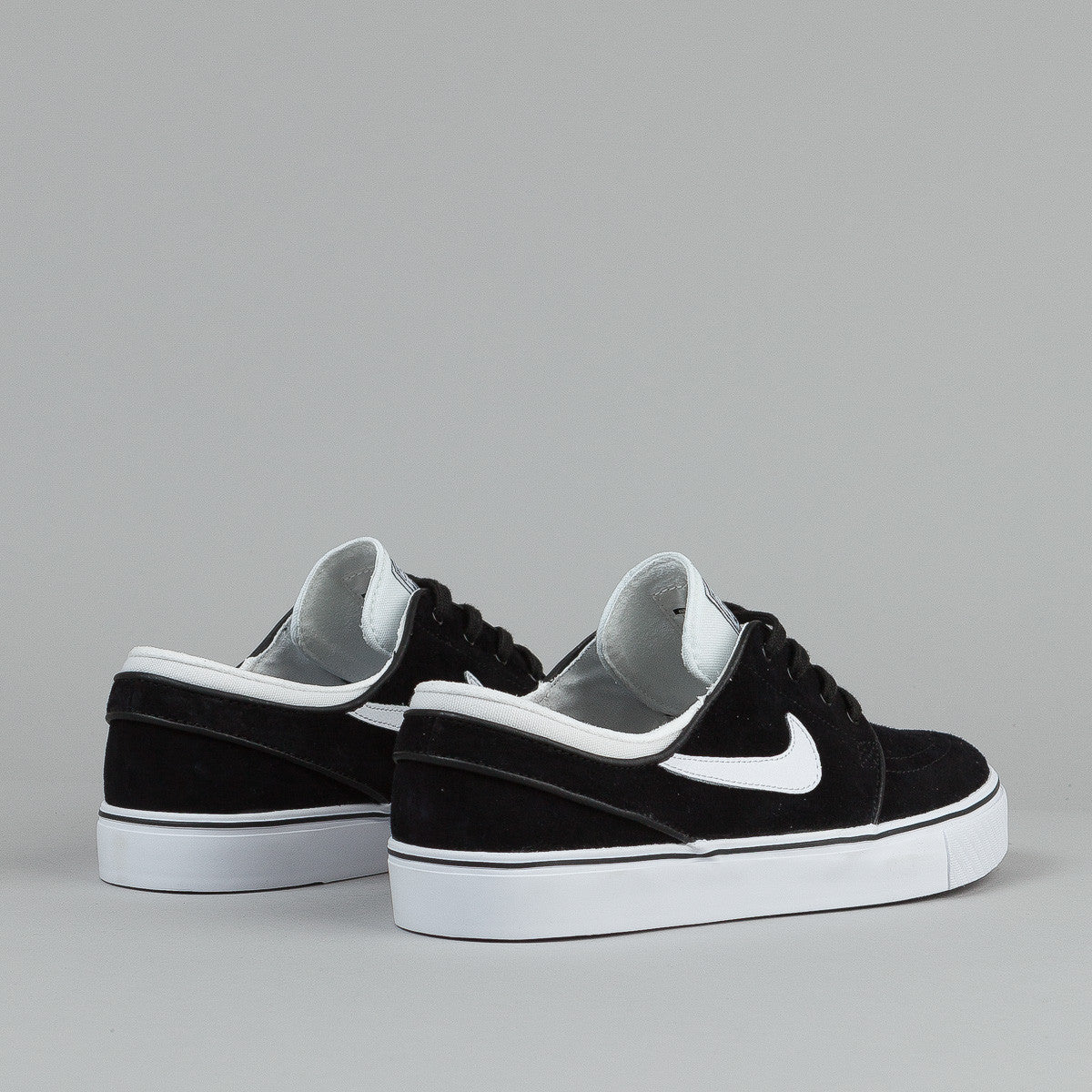 Nike SB Stefan Janoski SE Shoes - Black / White