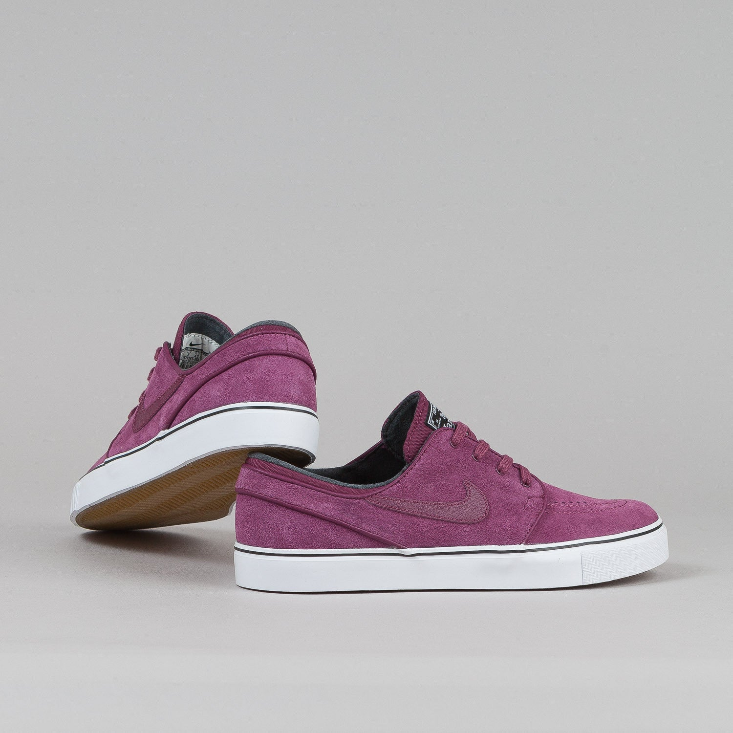 Nike SB Stefan Janoski SE Shoes Villain Red / Villain Red - Black - White