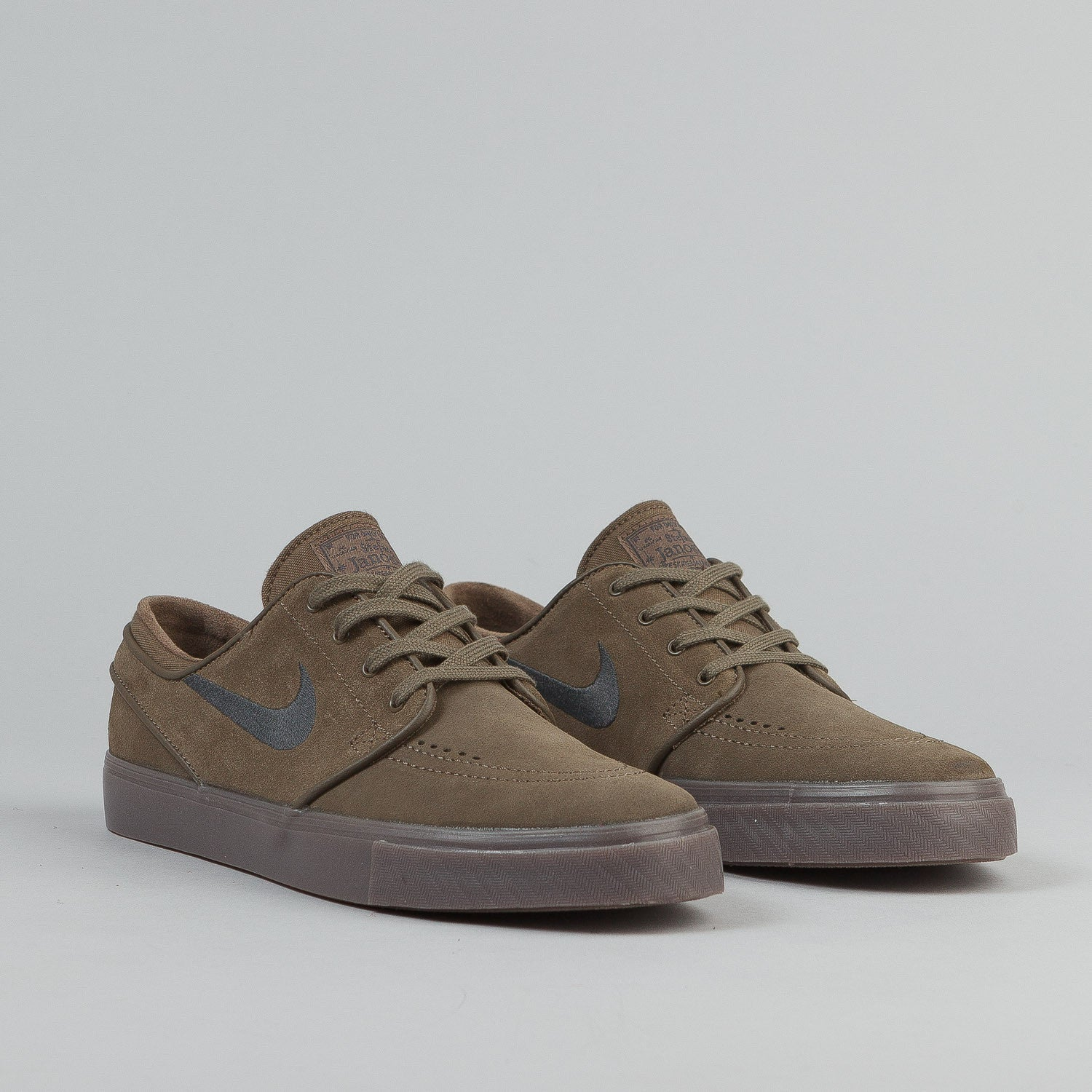 Nike SB Stefan Janoski Shoes - Fieldstone Iron / Anthracite / White / Gum