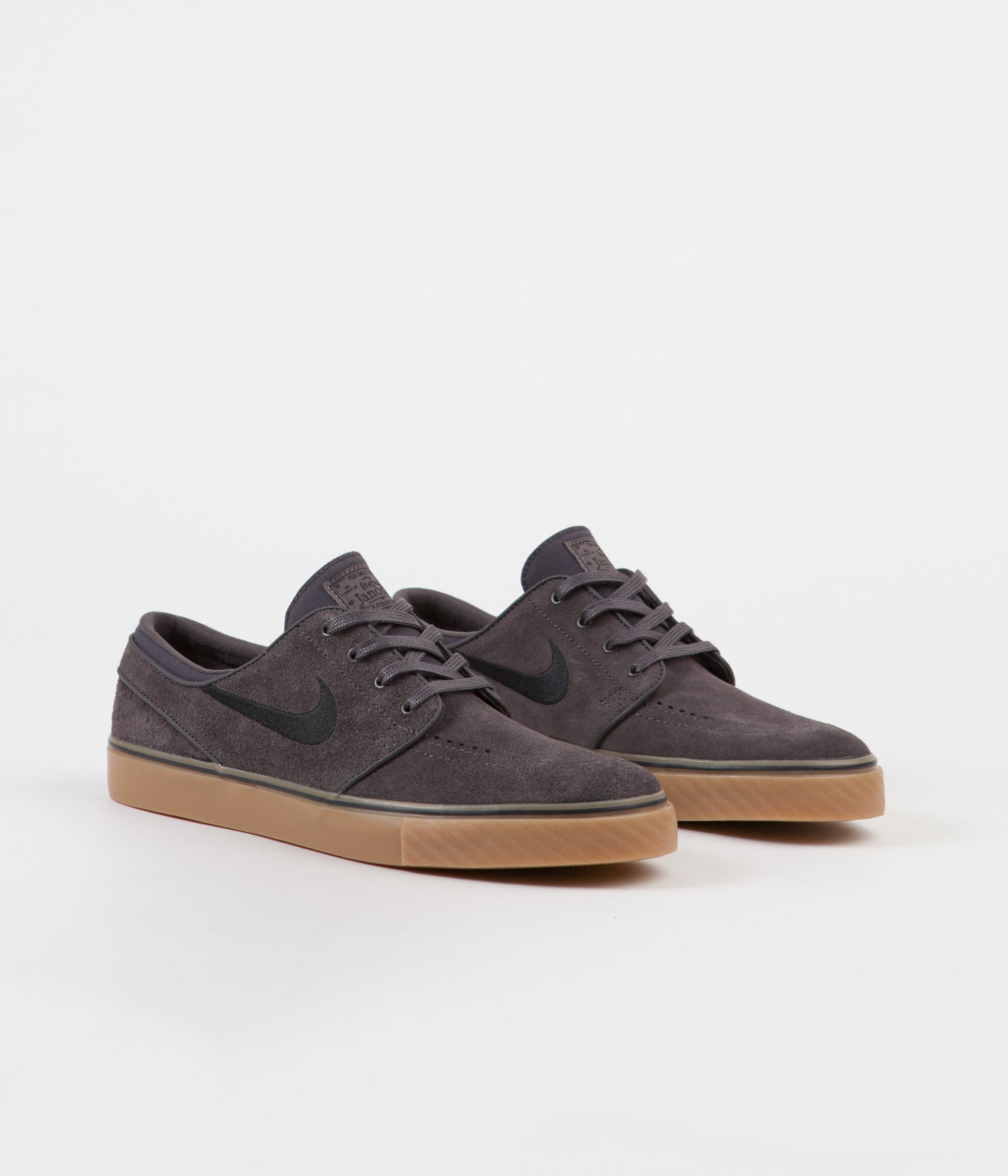 Restricciones salón cáscara  Nike SB Stefan Janoski Shoes - Thunder Grey / Black - Gum Light Brown |  Flatspot