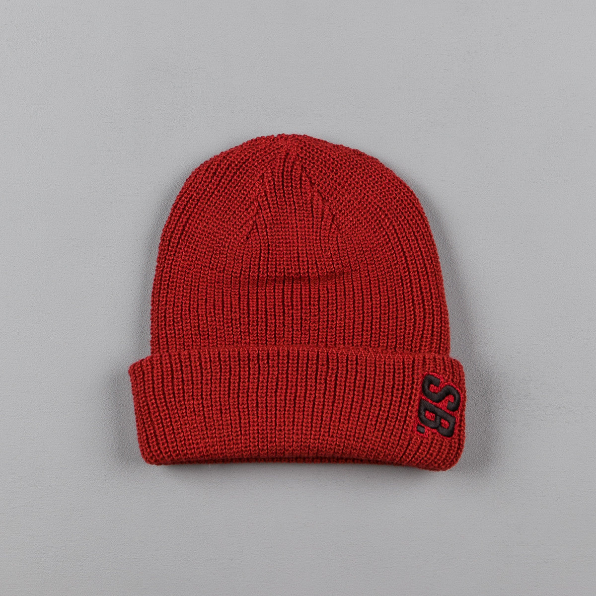 Nike SB Surplus Beanie - Dark Cayenne / Black