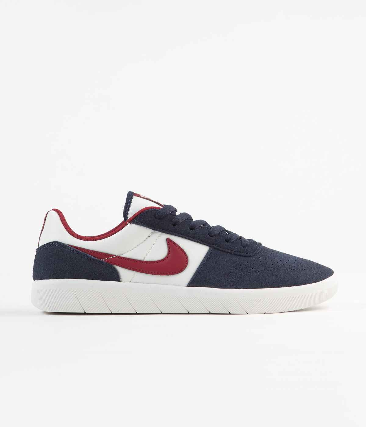 fb2c80d220 Nike SB Team Classic Shoes - Obsidian / Team Red - Summit White ...