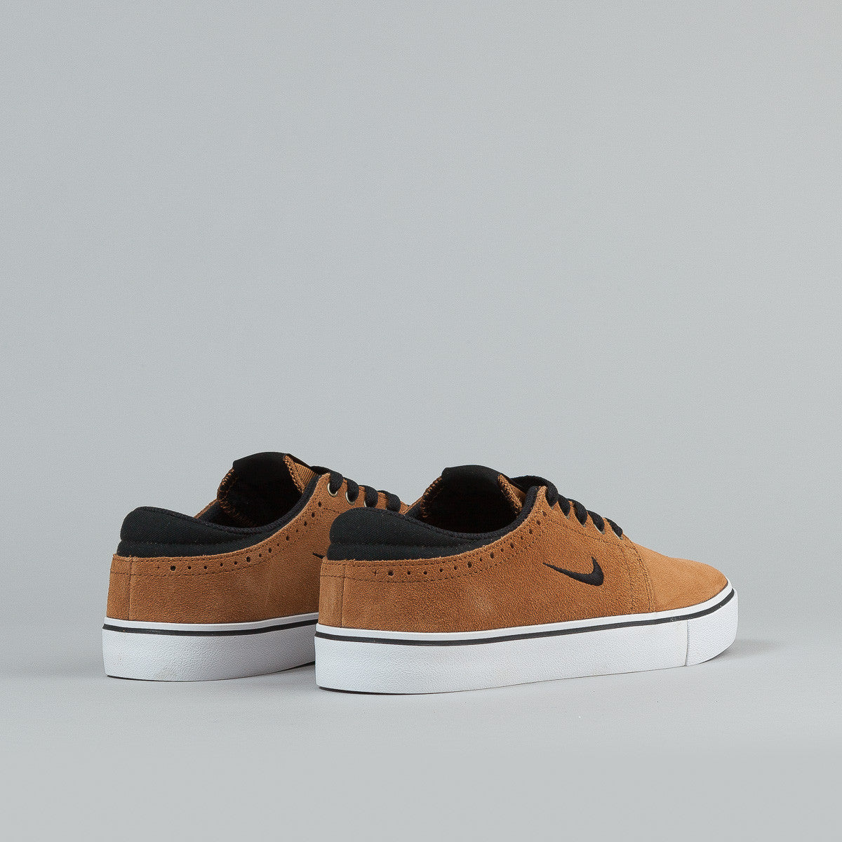 Nike Sb Team Edition Ale Brown / Black - White