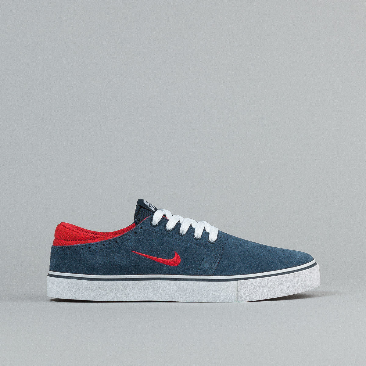 Nike SB Team Edition Armory Navy / University Red