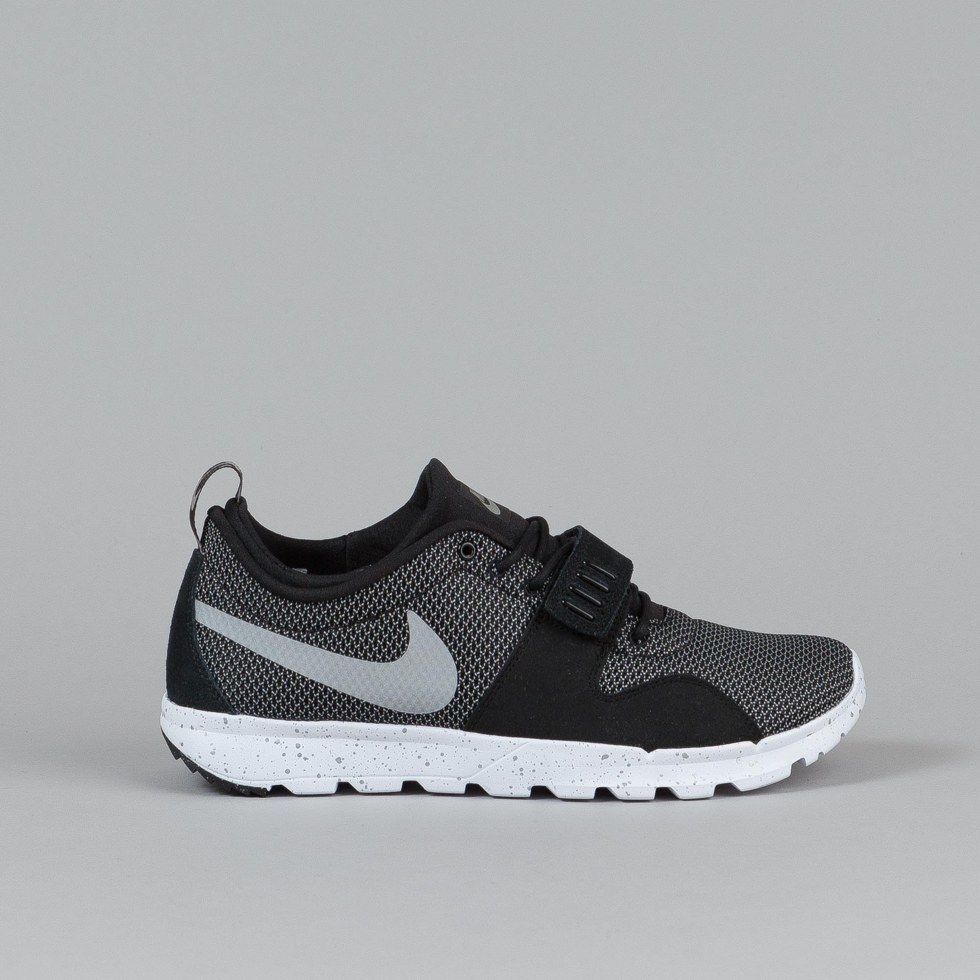 Nike SB Trainerendor Black/ Metallic Silver