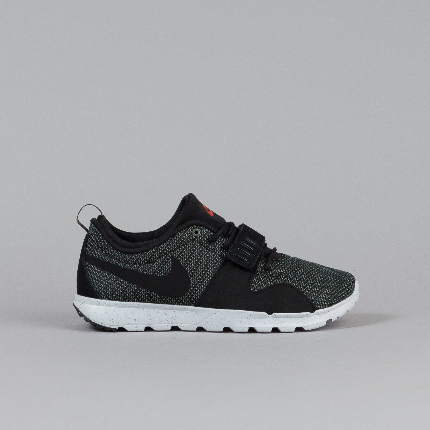 Nike SB Trainerendor Iron Green / Black