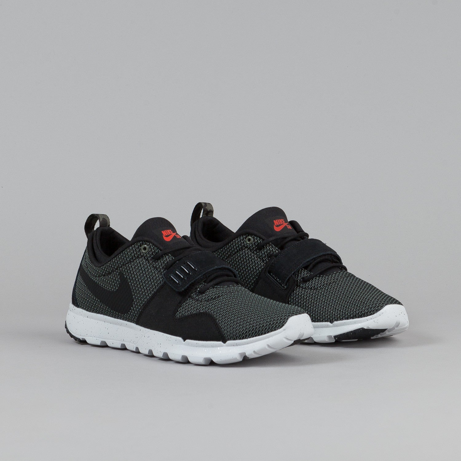 Nike SB Trainerendor Iron Green / Black - Metallic Silver