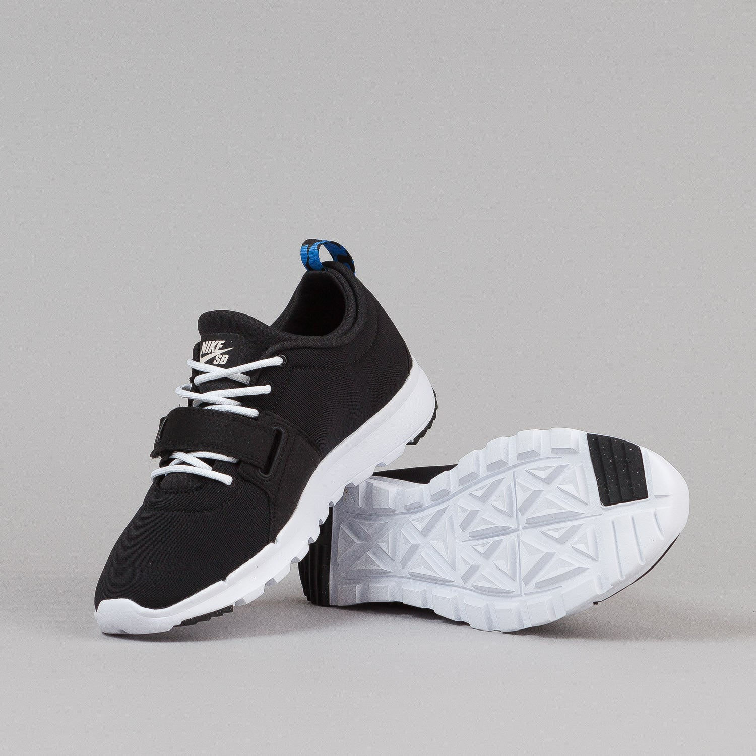 Nike SB Trainerendor SE Shoes - Black / White / Distinct Blue