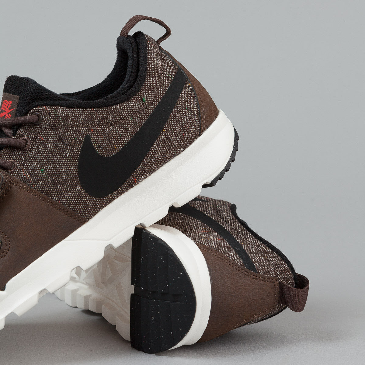 Nike SB Trainerendor Shoes - Baroque Brown / Black - Ivory - Light Crimson