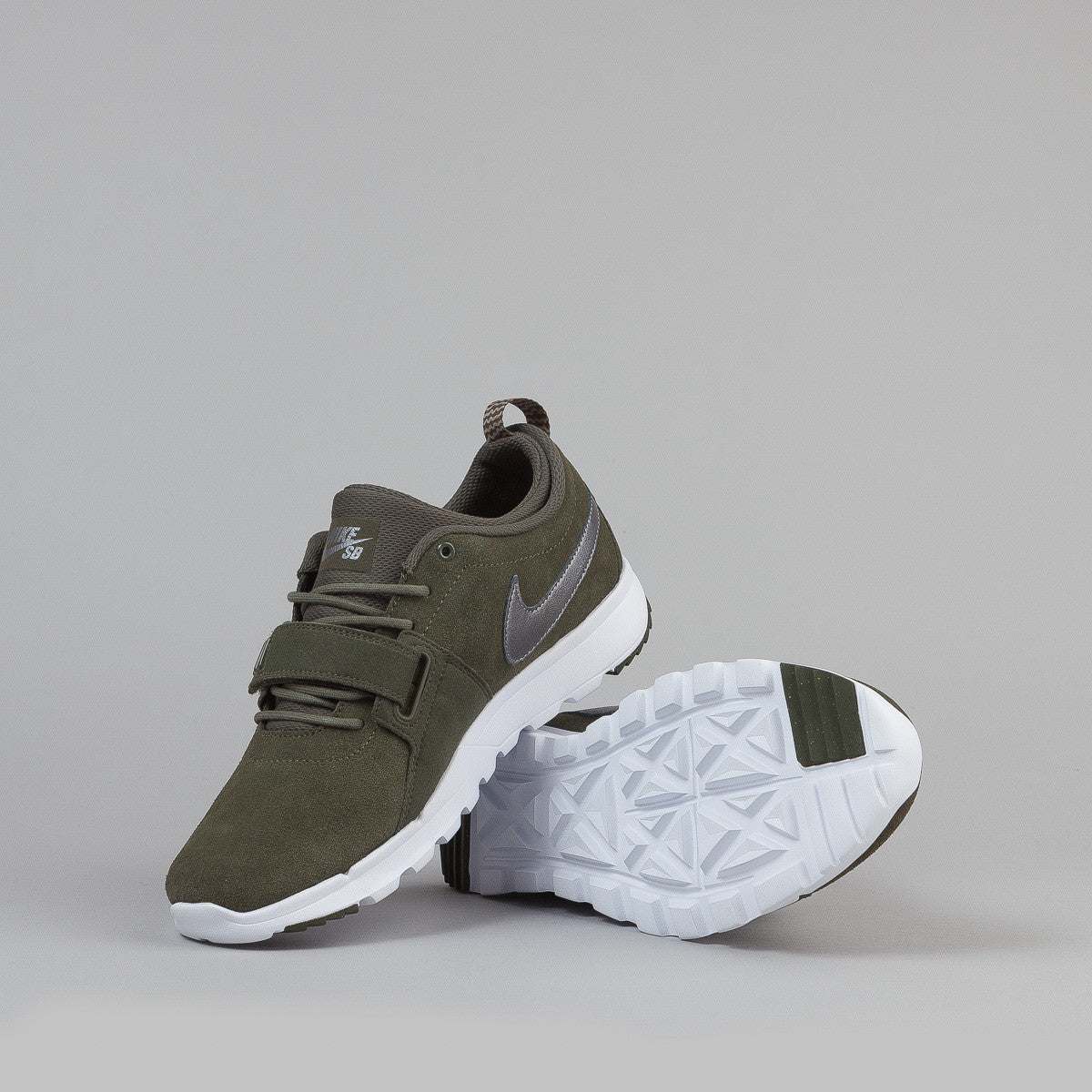 Nike SB Trainerendor Shoes - Cargo Khaki / Metallic Cool Grey - White - White