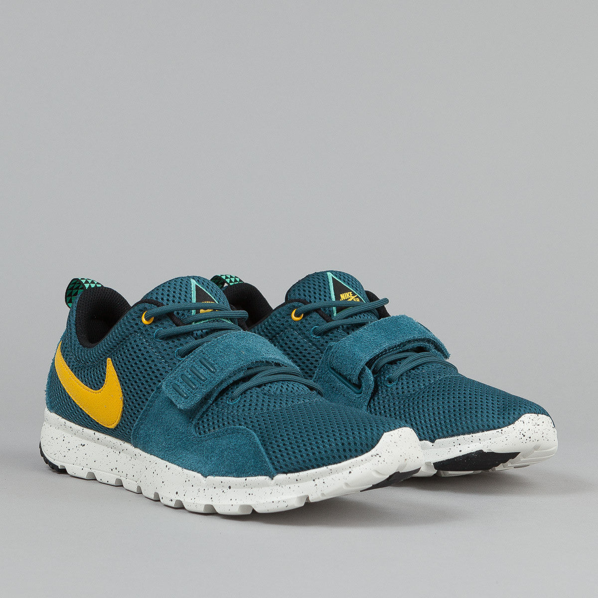 Nike SB Trainerendor Shoes - Night Factor / Varsity Maize / Sail