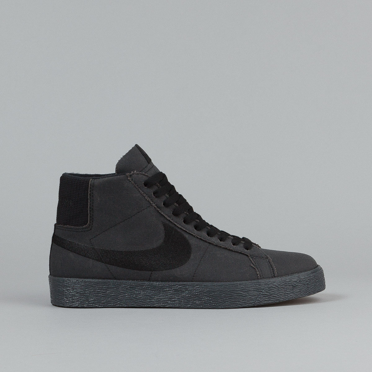 Nike SB x Pass Port Blazer QS Shoes