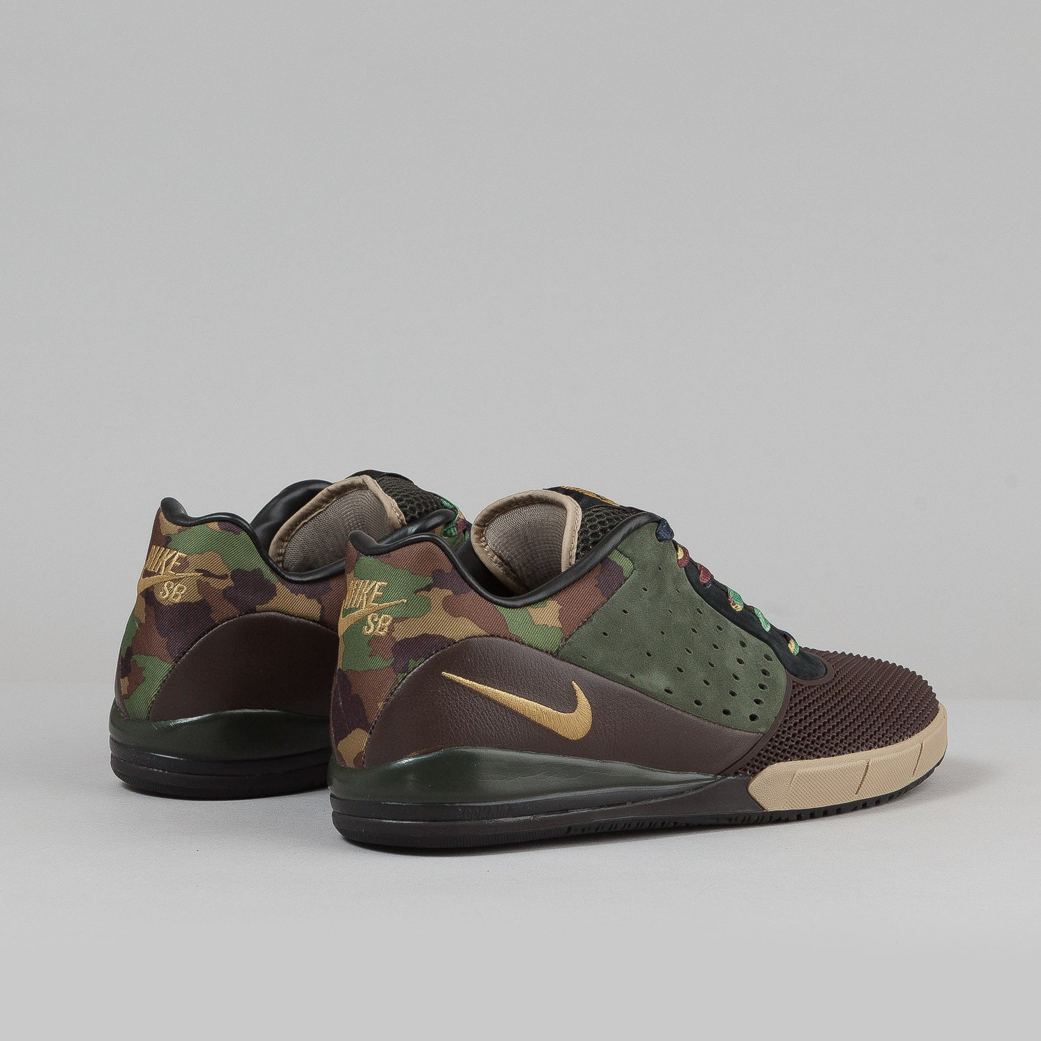 Nike SB Zoom Tre A.D. Shoes - Dark Cinder / Metallic Gold