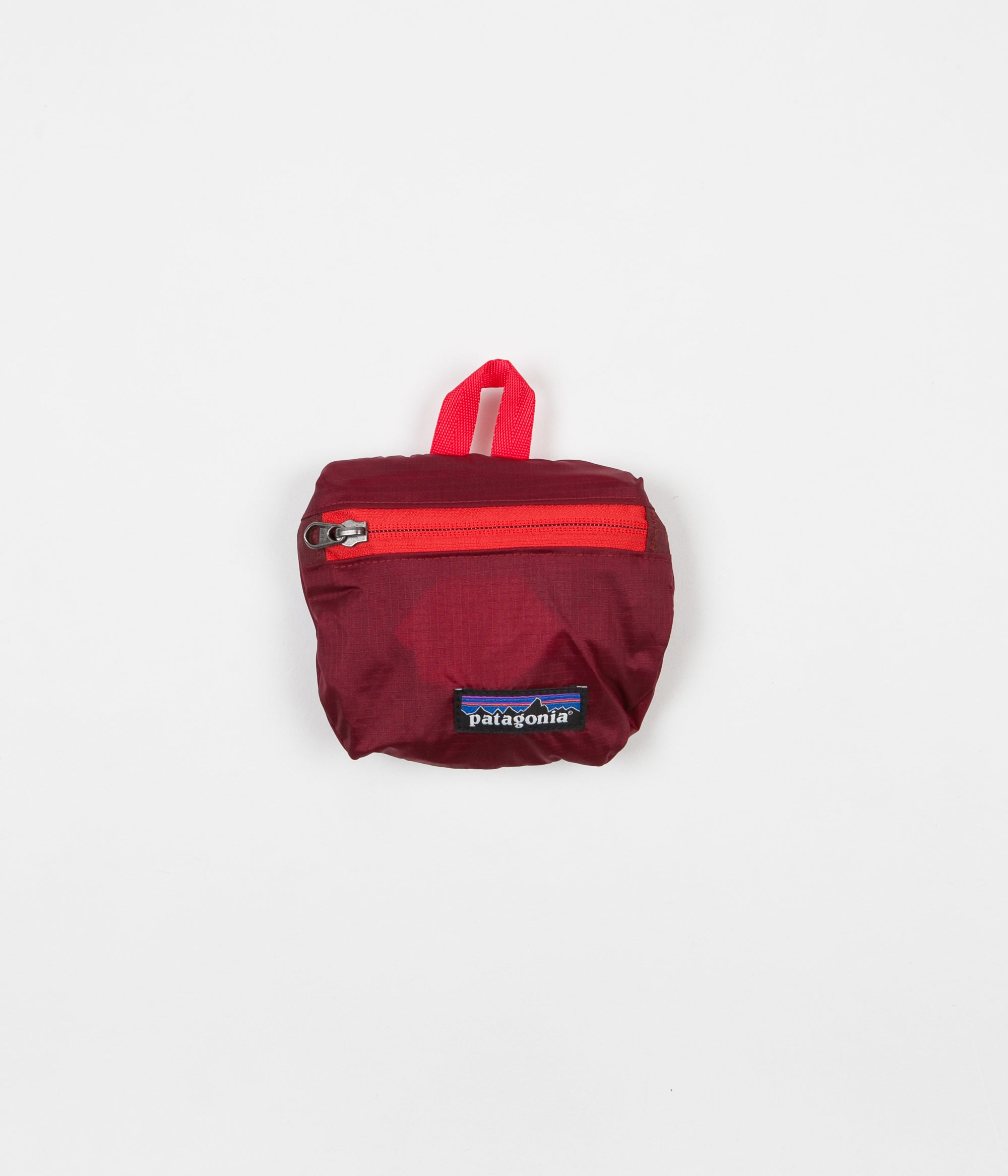 6993a32aaa1 Patagonia Lightweight Travel Mini Hip Pack - Oxide Red ...