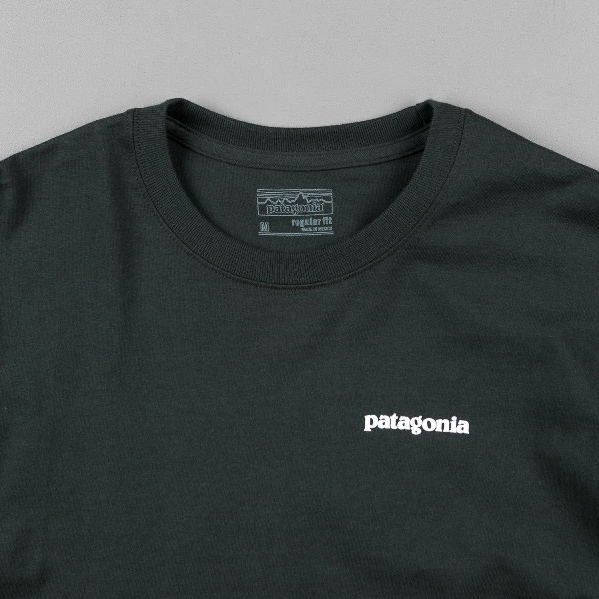 Patagonia P-6 Logo Long Sleeve T-Shirt - Carbon