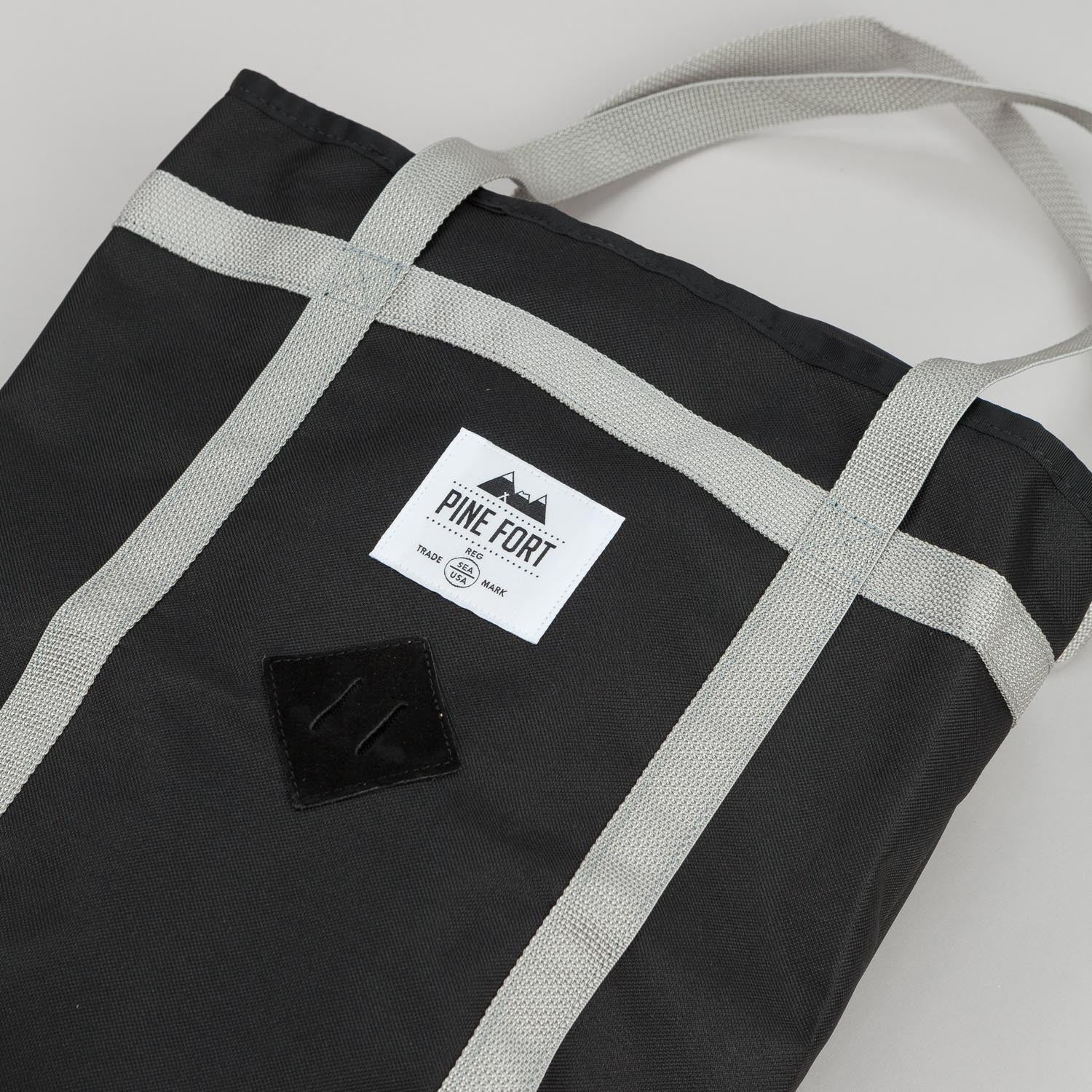 Pine Fort Climbing Tote Black / Silver