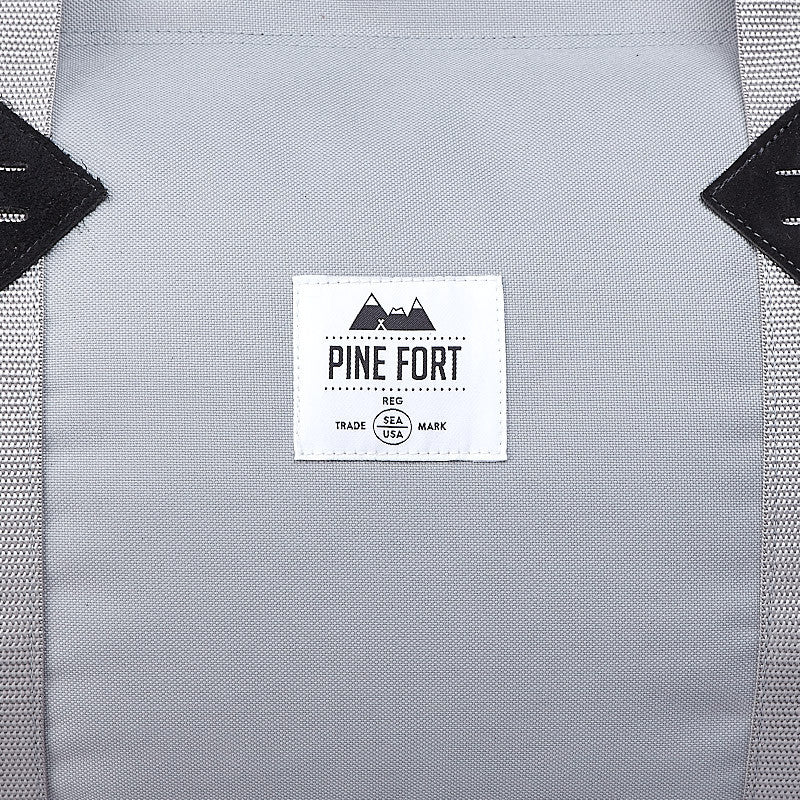 Pine Fort Trail Duffle Silver / Black