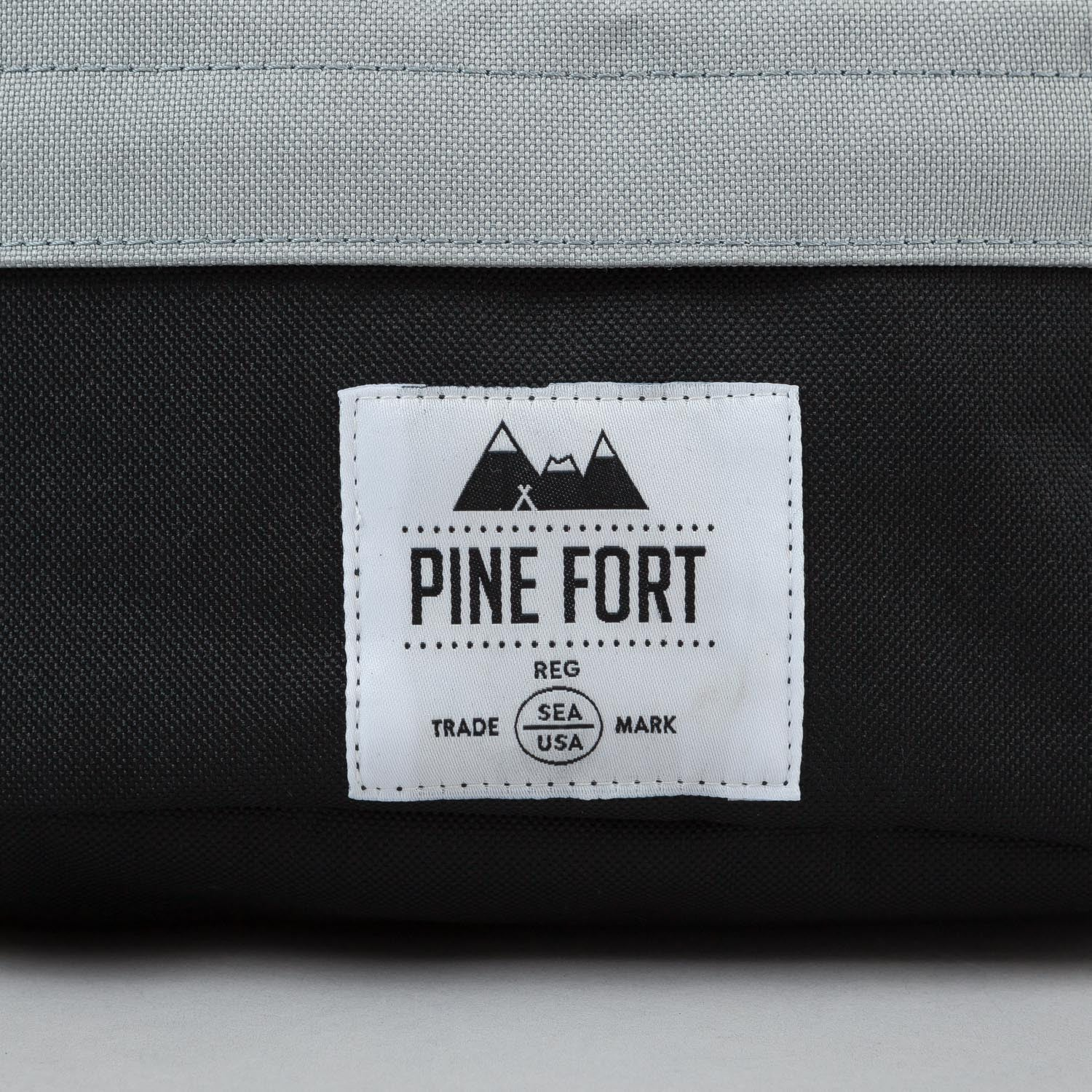 Pine Fort Waist Pack Silver / Black
