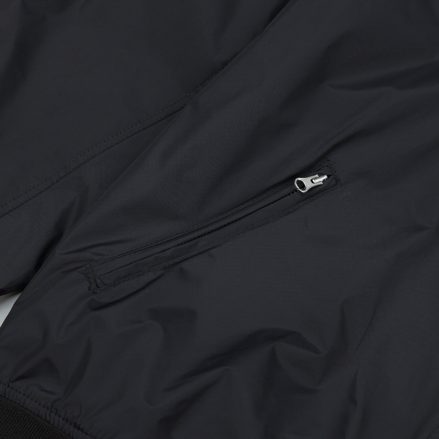 Polar Fill Logo Chest Sporty Bomb Jacket - Black