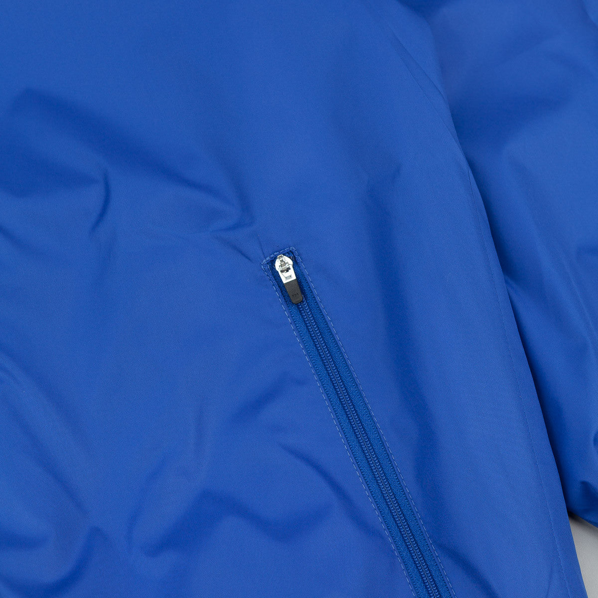 Polar Fill Logo Chest Windbreaker Jacket - Royal Blue / White