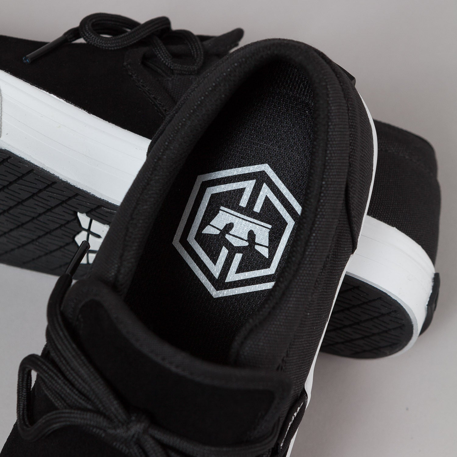 Supra Cuba Shoes - Black / White