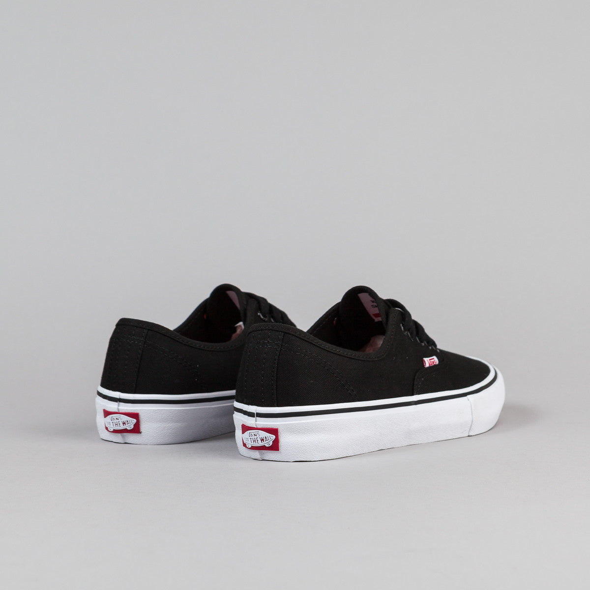 Vans Authentic Pro - Black / White